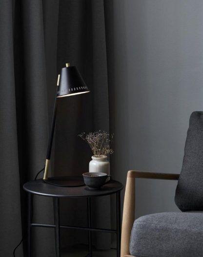 Lampa stołowa Pine do gabinetu