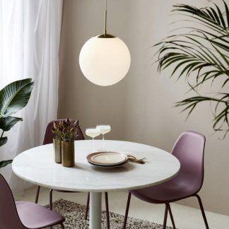 Lampa wisząca Grant 35 nad stolik w salonie
