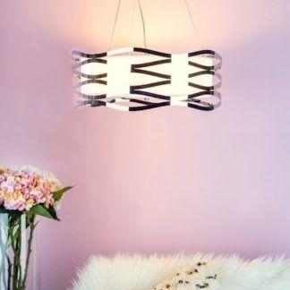Lampa wisząca Mizella nad sofę w salonie