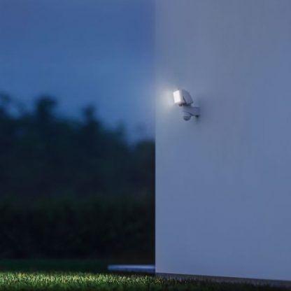 Naświetlacz LS 150 LED na elewację