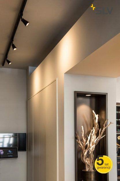Spot sufitowy Avo do salonu z aneksem kuchennym