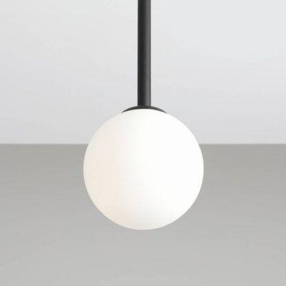 Lampa Pinne S do minimalistycznej sypialni