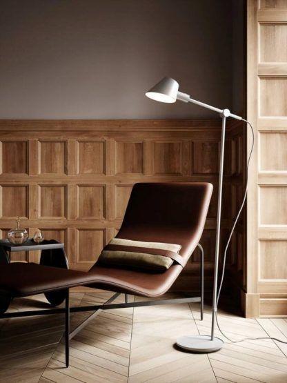 Lampa podłogowa Stay do salonu i sypialni