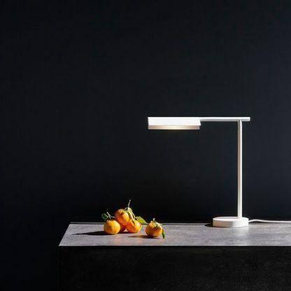Lampa stołowa Fold na biurko w gabinecie