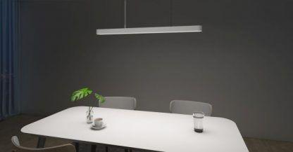długa lampa wisząca led nad stół