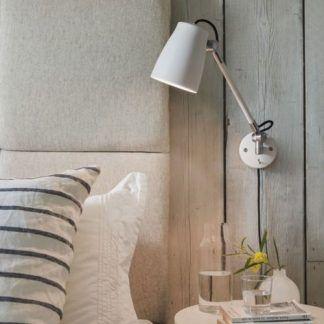 Kinkiet Astro Lighting do czytania w sypialni