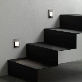 Kinkiet Borgo 90 jako doświetlenie schodów