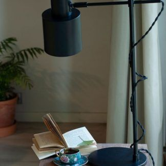Lampa biurkowa Black do pokoju studenta