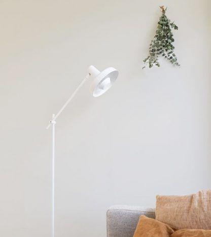 Lampa podłogowa Arigato Palace do gabinetu