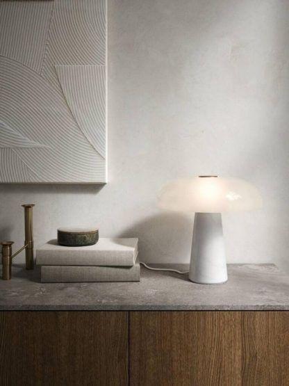 Lampa stołowa Glossy do eleganckiego biura