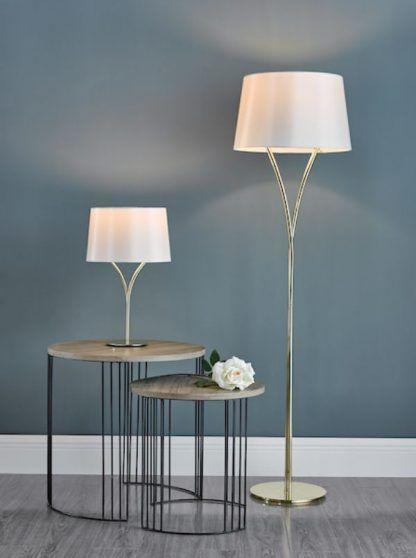 Lampa stołowa Kinga na komodę w salonie
