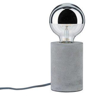 Lampa stołowa Neordic Mik na kominek w salonie