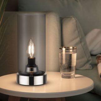 Lampa stołowa Pinja na stolik w salonie