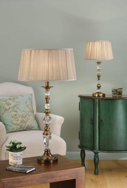 Lampa stołowa Polina na kominek w salonie