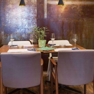 Lampa wisząca Cornet nad mały stół w jadalni