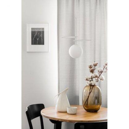 Lampa wisząca Fyllo nad okrągły stół w jadalni