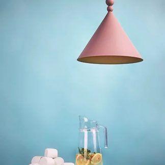 Lampa wisząca Konko jako doświetlenie blatu kuchennego