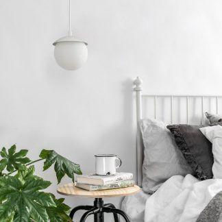 Lampa wisząca Kuul F do małej sypialni