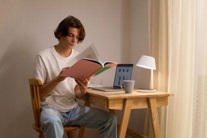 lampa do czytania sterowanie światłem