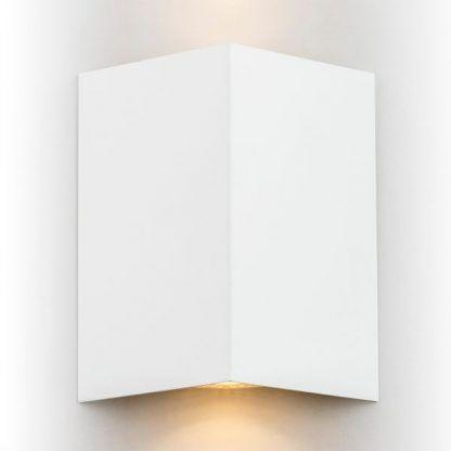 Metalowy kinkiet Skiatos na nowoczesny korytarz