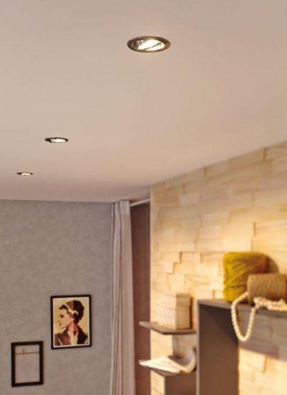 Oczko sufitowe Nova do minimalistycznego salonu