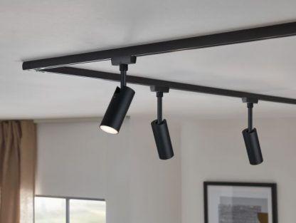 Reflektor Tubo do systemu URail w kuchni