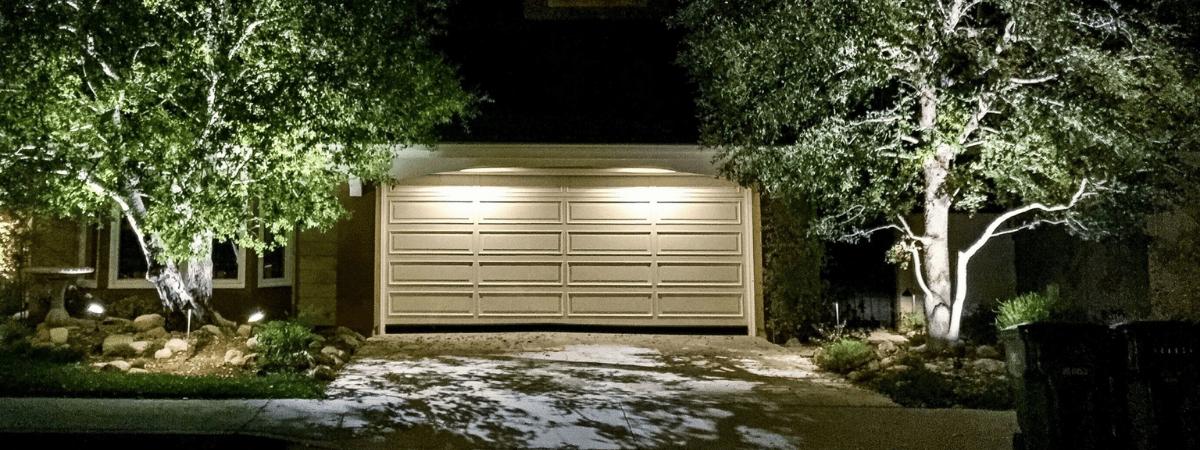 oświetlenie bramy garażowej i podjazdu