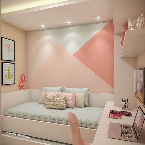 oświetlenie łóżka w sypialni